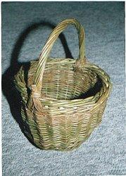 Foto 3 - Košíček ze zeleného proutí - 69 kB